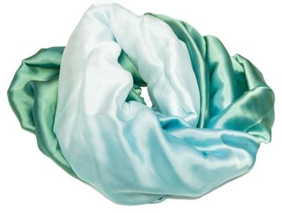 silketørklæde i grønne og hvide farver