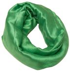Grønt ensfarvet silketørklæde